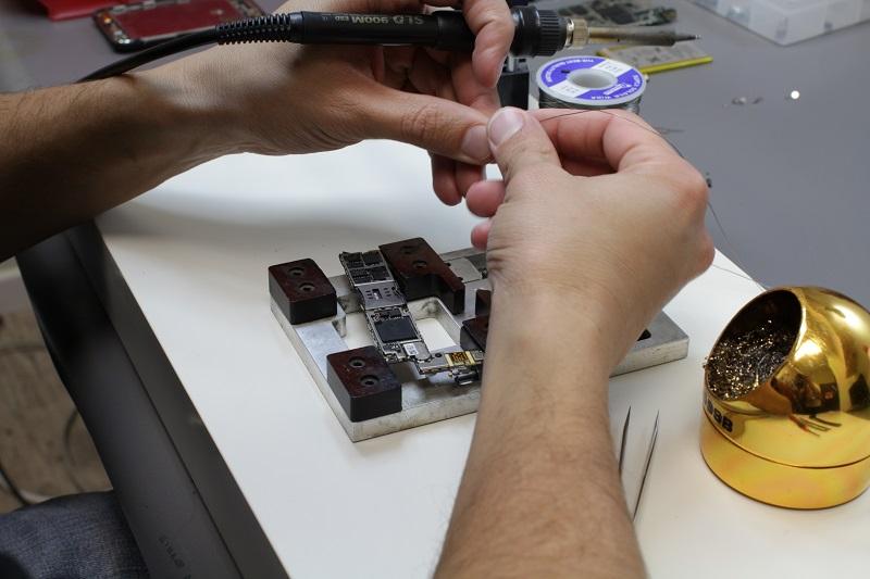 מדריכים מלאים לתיקון מכשיר הסמארטפון באופן עצמאי